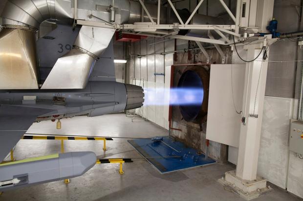 Saab: présentation du futur Gripen - Page 3 7142