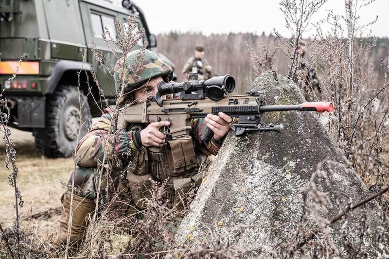 Armée Belge / Defensie van België / Belgian Army  - Page 7 7227