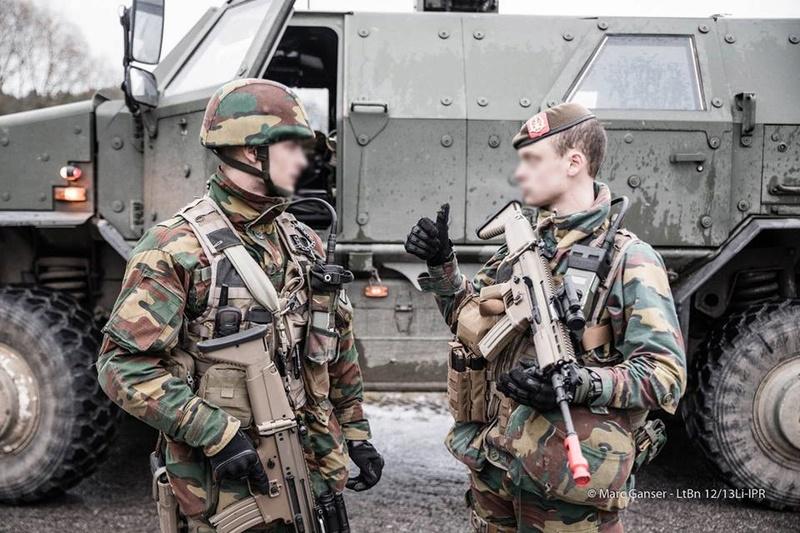 Armée Belge / Defensie van België / Belgian Army  - Page 7 7323