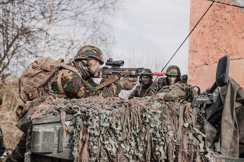 Armée Belge / Defensie van België / Belgian Army  - Page 7 7518