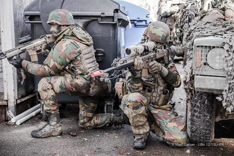 Armée Belge / Defensie van België / Belgian Army  - Page 7 8112