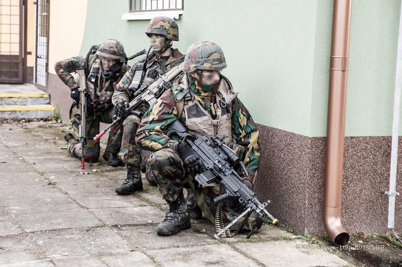 Armée Belge / Defensie van België / Belgian Army  - Page 7 8211