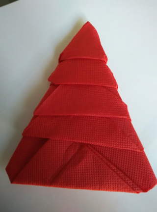 servilleta en forma de arbol de navidad Servil10