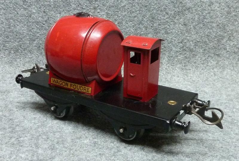 Wagon foudre hornby  P1140120