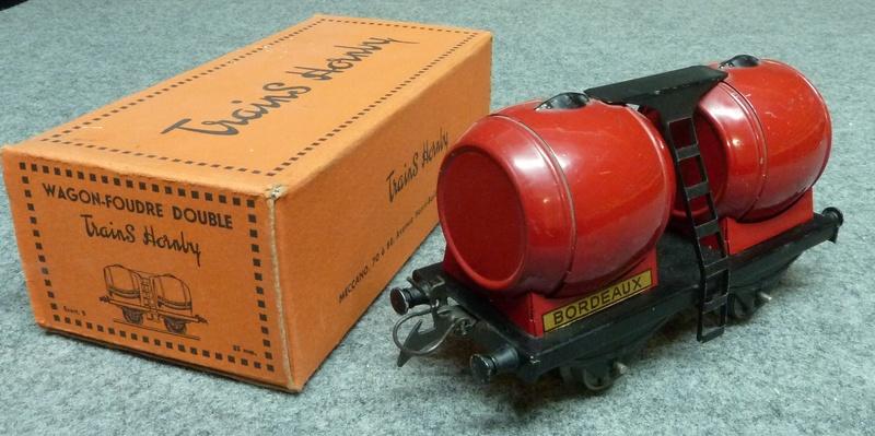 Wagon foudre hornby  P1140122