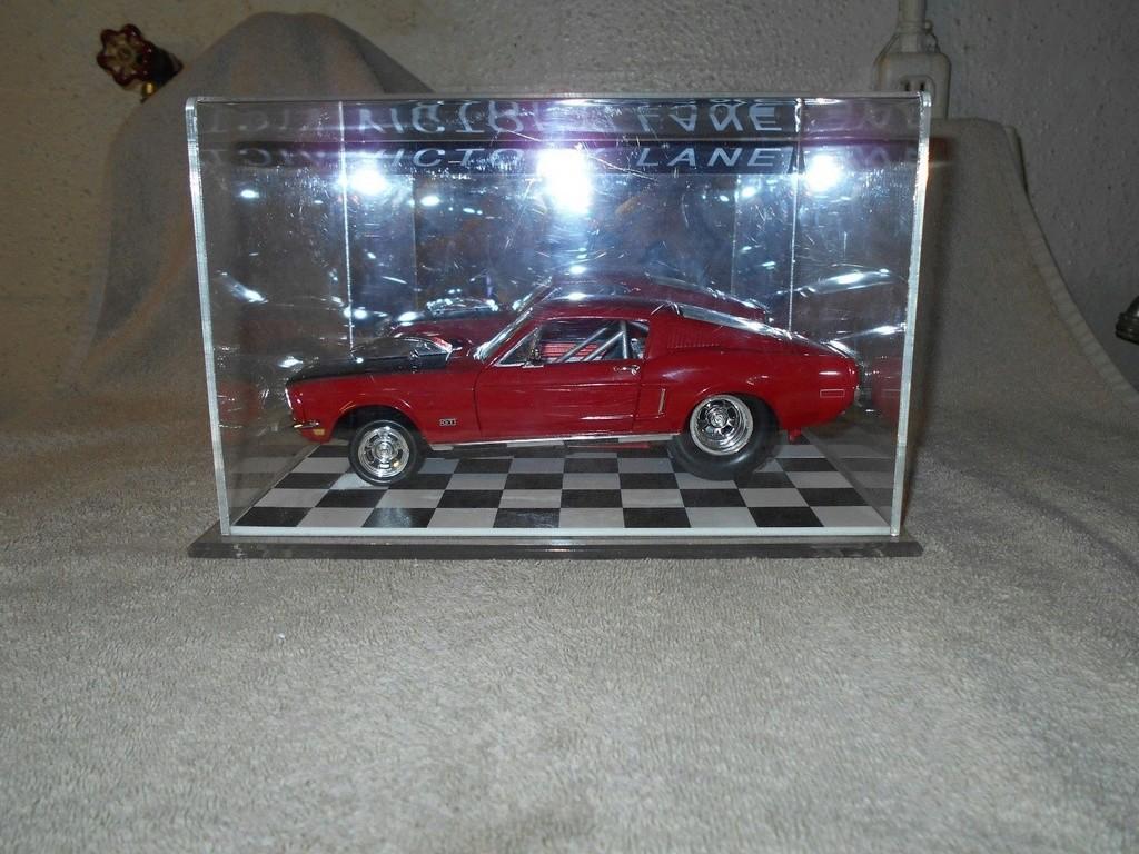 Mustangs 1968 à l'échelle 1:18  _57_310