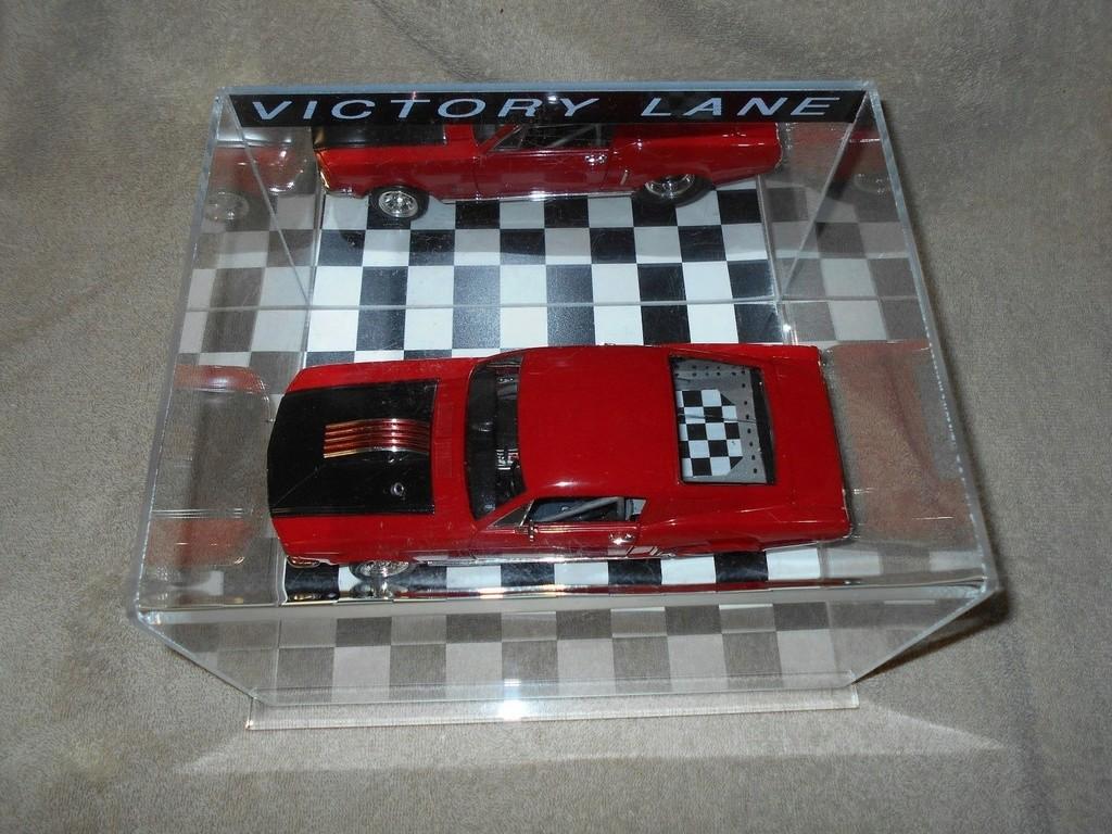 Mustangs 1968 à l'échelle 1:18  _57_410