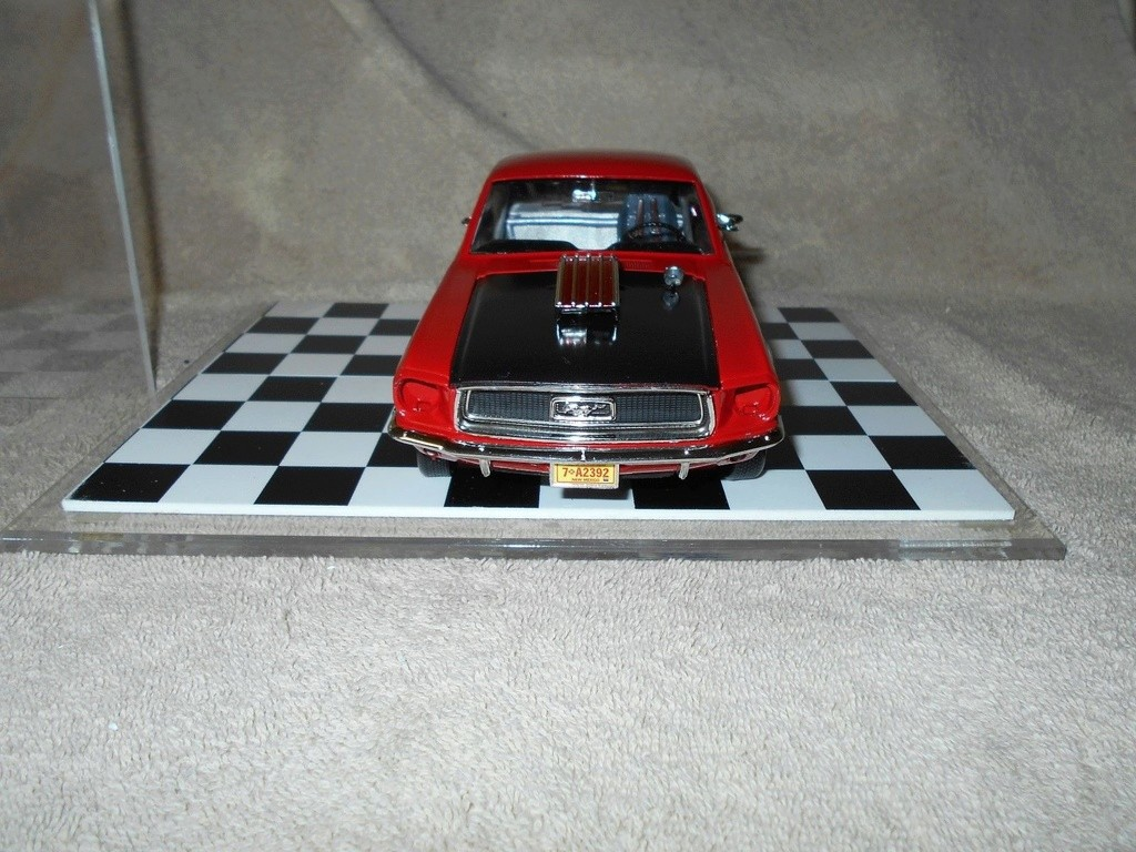 Mustangs 1968 à l'échelle 1:18  _57_510
