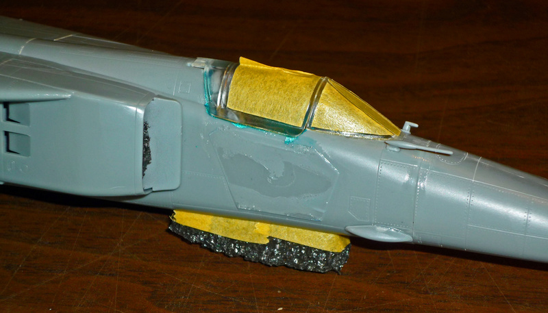 """MiG-27 """"Flogger-D""""; Trumpeter 1/48 - Page 2 P1100141"""