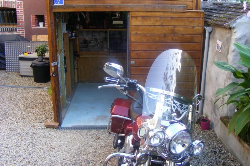 KAWA en TERRASSE - son garage..... Dscf2519