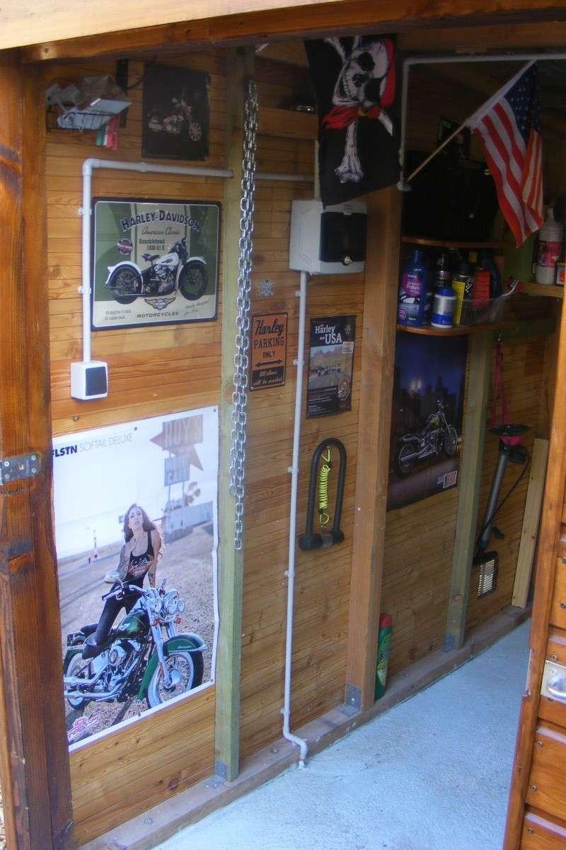 KAWA en TERRASSE - son garage..... Dscf2520