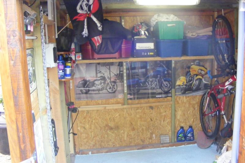 KAWA en TERRASSE - son garage..... Dscf2521