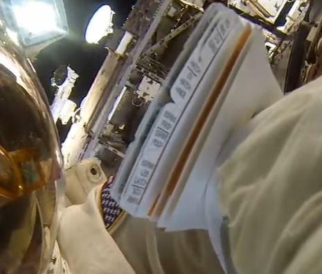 [ISS] EVA 29, 30 et 31 / 21 et 25 février - 1er mars 2015 - Page 3 Captur17