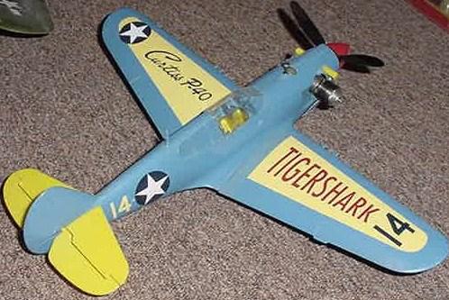Aurora Tri Pacer P-40_w10