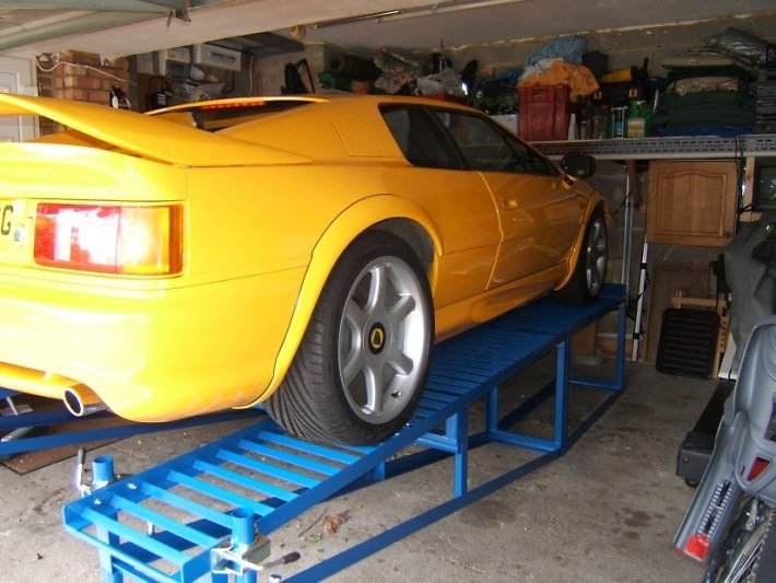 Rampe per sollevare le nostre Lotus Constr11