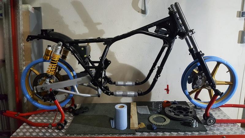 future cb 1100 f superbike   004_co10
