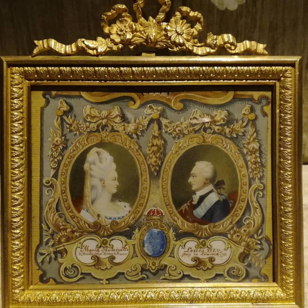 A vendre: Louis XVI et Marie Antoinette - Page 6 44866710