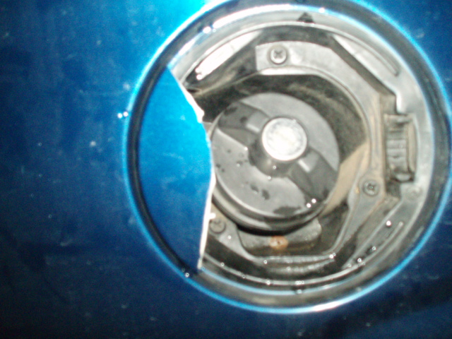 changement trappe essence S4 P1016910