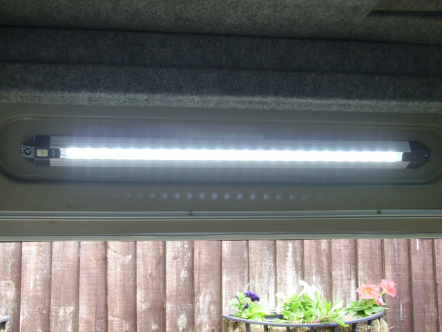 LED bulbs for the Danbury rear spotlights - Page 3 Imgp2510