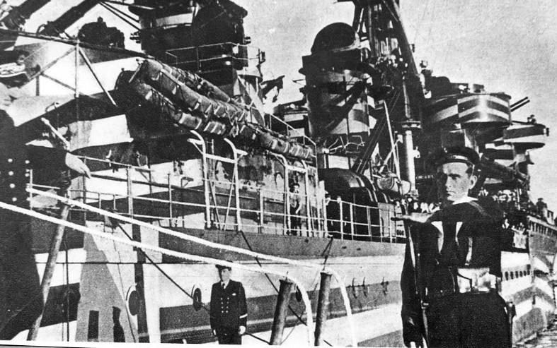 Croiseurs français  - Page 5 Gloire16