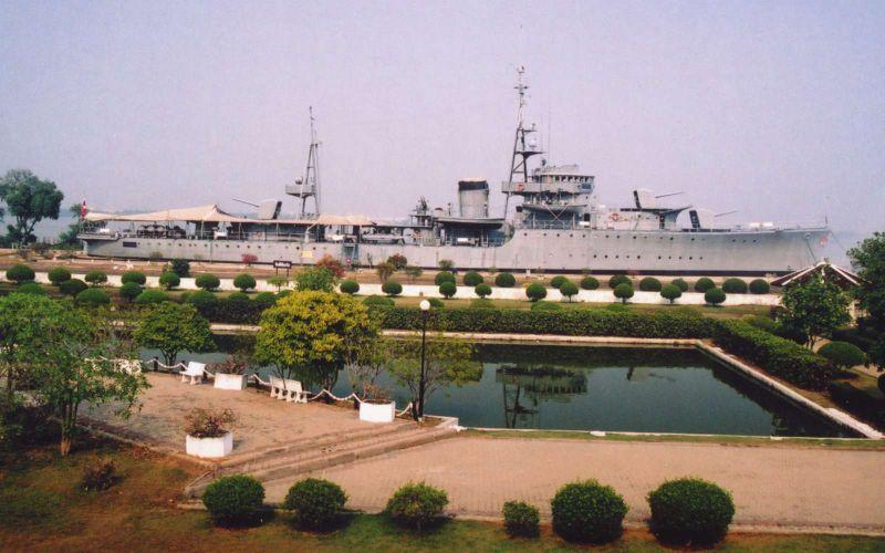 Marine thaïlandaise  Maeklo13