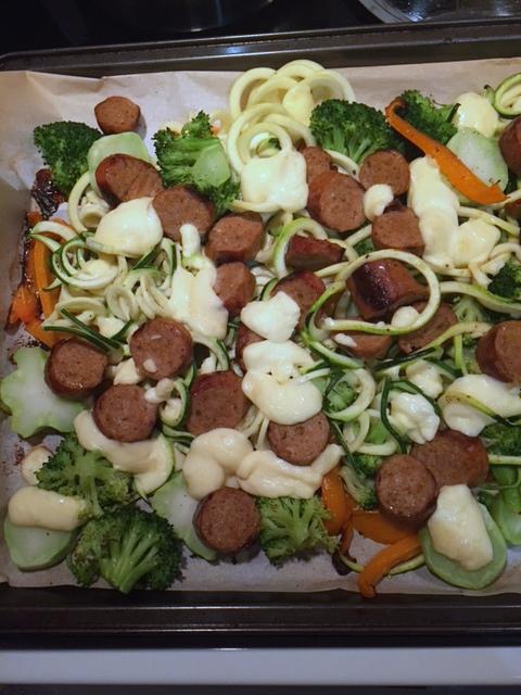 Plaque de saucisses, légumes et fromage en grains 393ede14