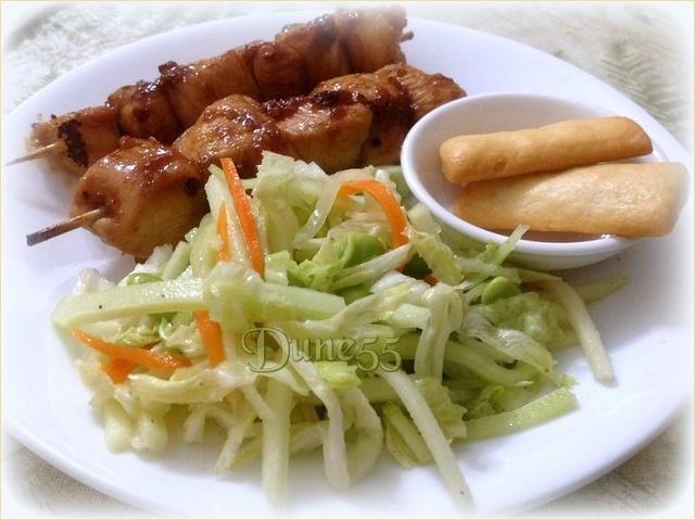 Brochettes de poulet piquantes et salade fraîcheur 529tio10