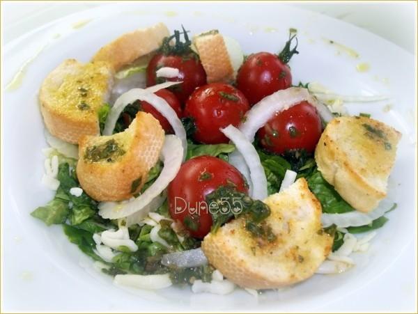Panzanella (Salade de pain italienne)  Yraotr10