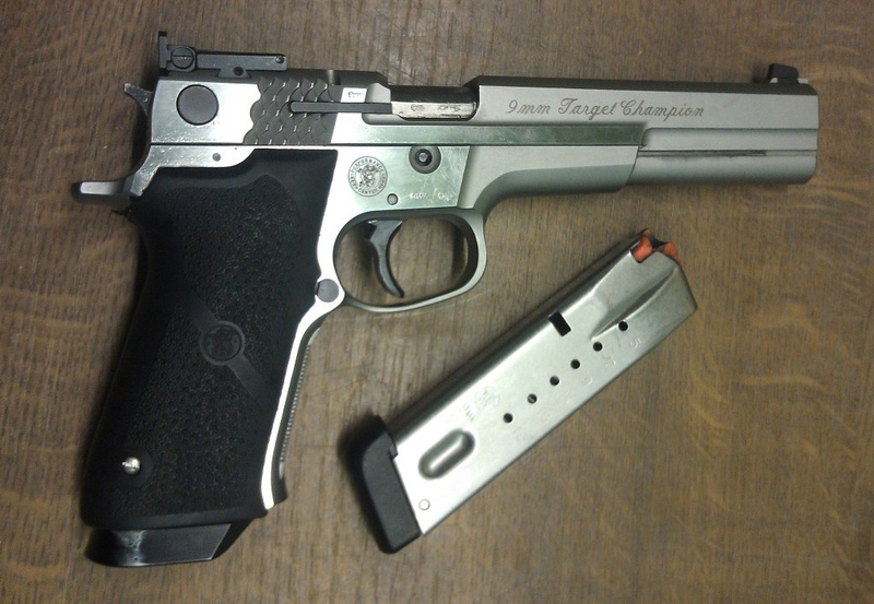 SMITH & WESSON TARGET CHAMPION  - PERFORMANCE CENTER - 9 MN Imag1810