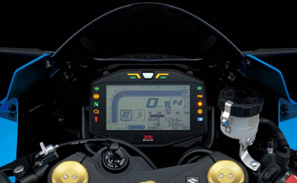 Carnet de piste d'Alex (saison 4 ... et le titre au bout!) Suzuki14