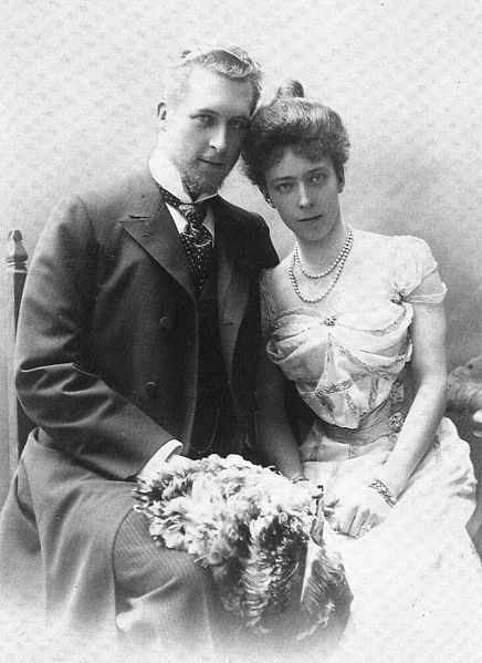 King Albert I (1875-1934) and Queen Elisabeth (1876-1965) - Page 2 436px-10