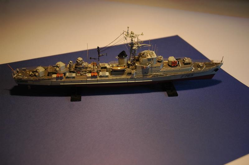 Escorteur Rapide Le Normand - 1/400  Base Heller + scratch + PE l'Arsenal Dsc_0025