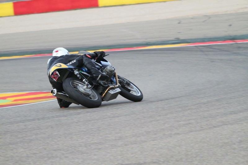 R100 Racingue !!!! Img_2911