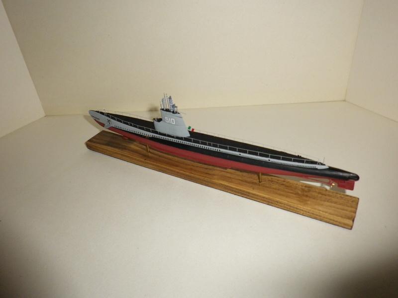 Sous-marin Italien AFV 1/350 Imgp4518