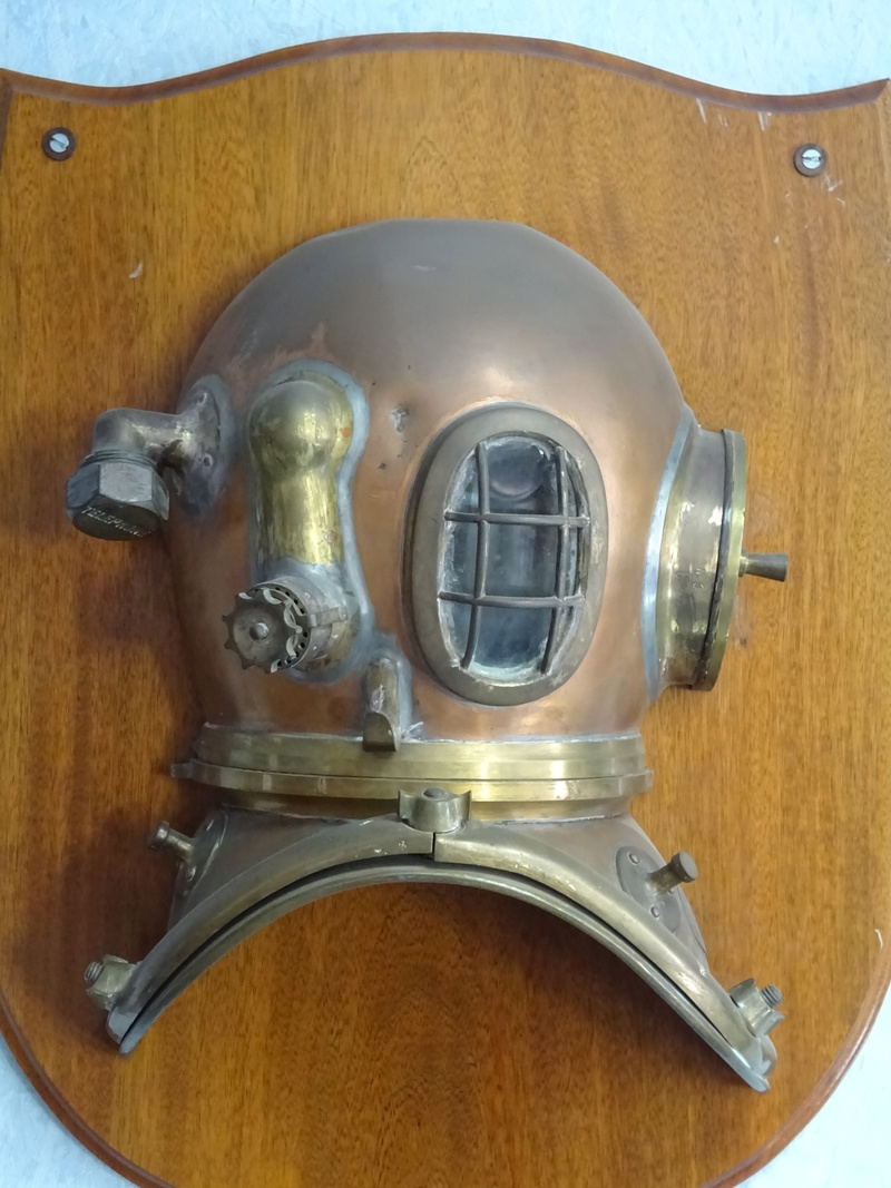 la petite Histoire des plongeurs de la Marine Nationale Dsc03722