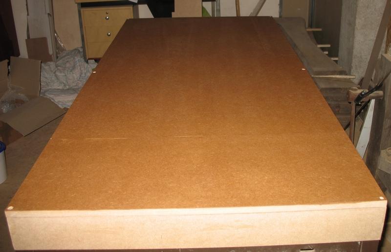 Une table multifonction sans prétention 00311