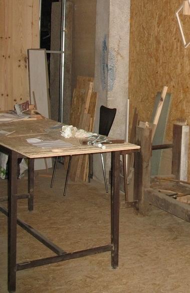 Une table multifonction sans prétention 00326