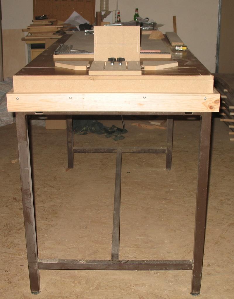 Une table multifonction sans prétention 00511