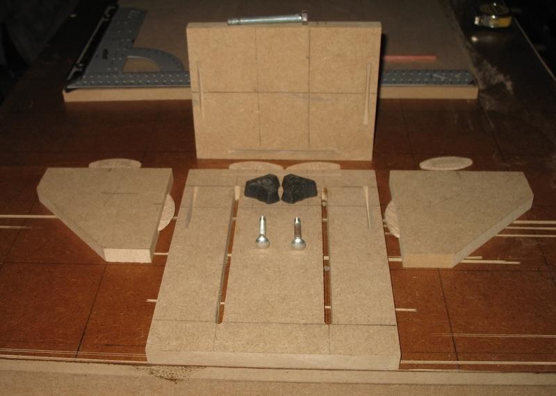 Une table multifonction sans prétention 00611