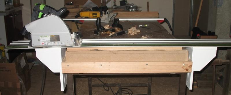 Une table multifonction sans prétention 01110