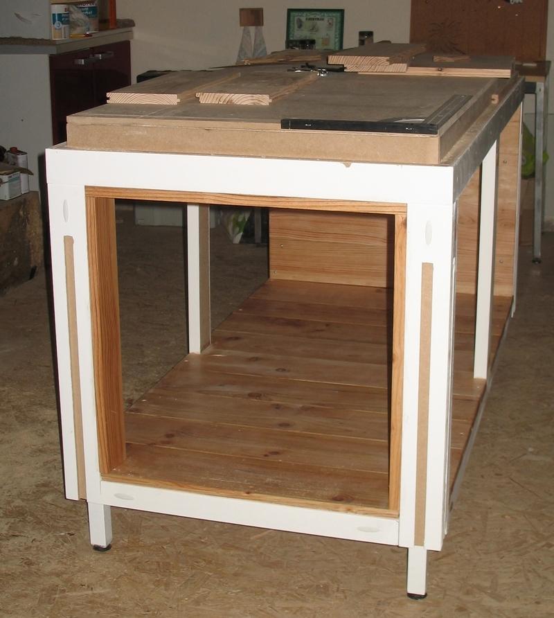 Une table multifonction sans prétention 012b10