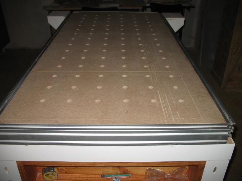 Une table multifonction sans prétention 07410