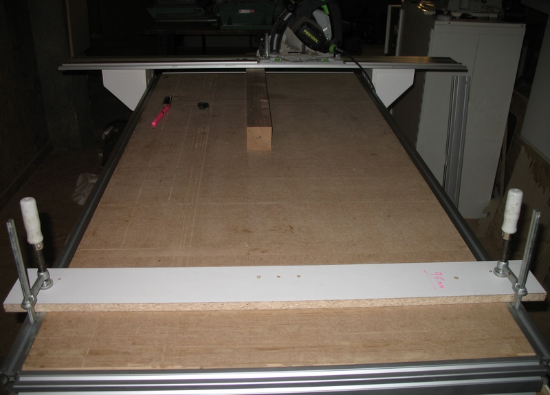 Une table multifonction sans prétention 07610