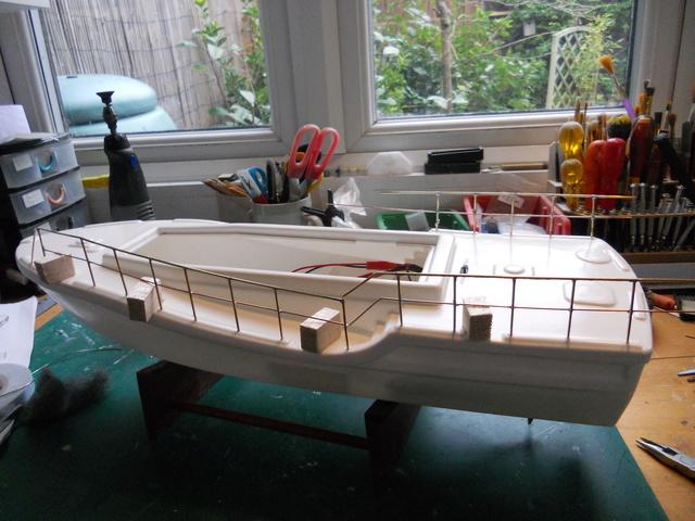 Model Slipway Rescue Boat Dscn0343