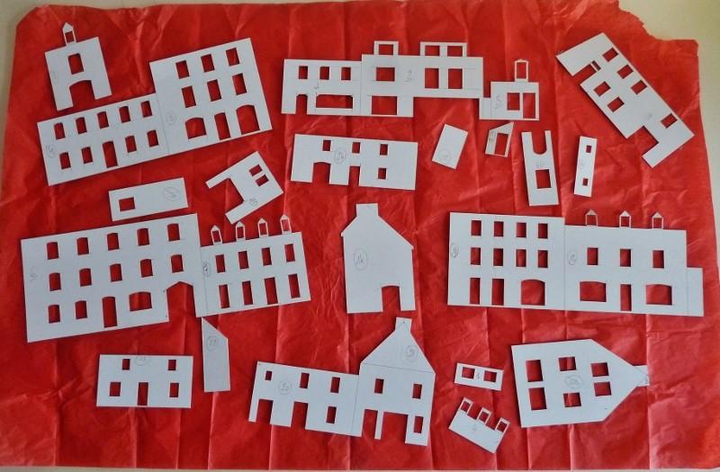 LA PLACE DES HALLES DE PLOUESCAT P1090111