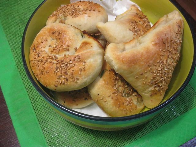 пирожки - Пирожки в духовке и сыром. Фатаир ма джибн. Видео Img_6510