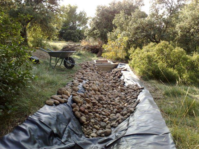 Pastou - un jardin sans eau... avec une rivière D3st11
