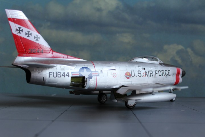 NORTH AMERICAN F-86D SABRE North_16