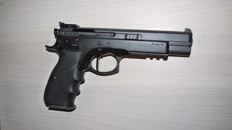 Choix Pistolet 22 P1060218
