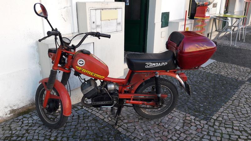 [Oldies] Le Portugal et ces cyclomoteurs 50cc 20161212